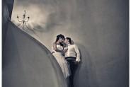 Γαμπρός και νύφη στην σκάλα